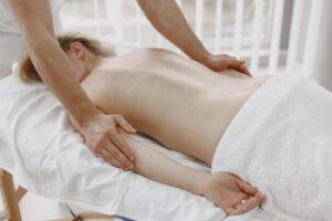 Fisioterapia e Massagem e Terapêutica